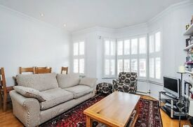 BRO- A well presented 2 double bedroom split level apartment to rent close to central West Hampstead