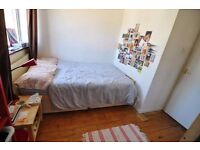2 CHEAP DOUBLE ROOM IN A RENOVATED FLAT! ALL BILLS INCLUDED!