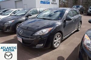 2011 Mazda MAZDA3 GS! One Owner! Low Mileage!