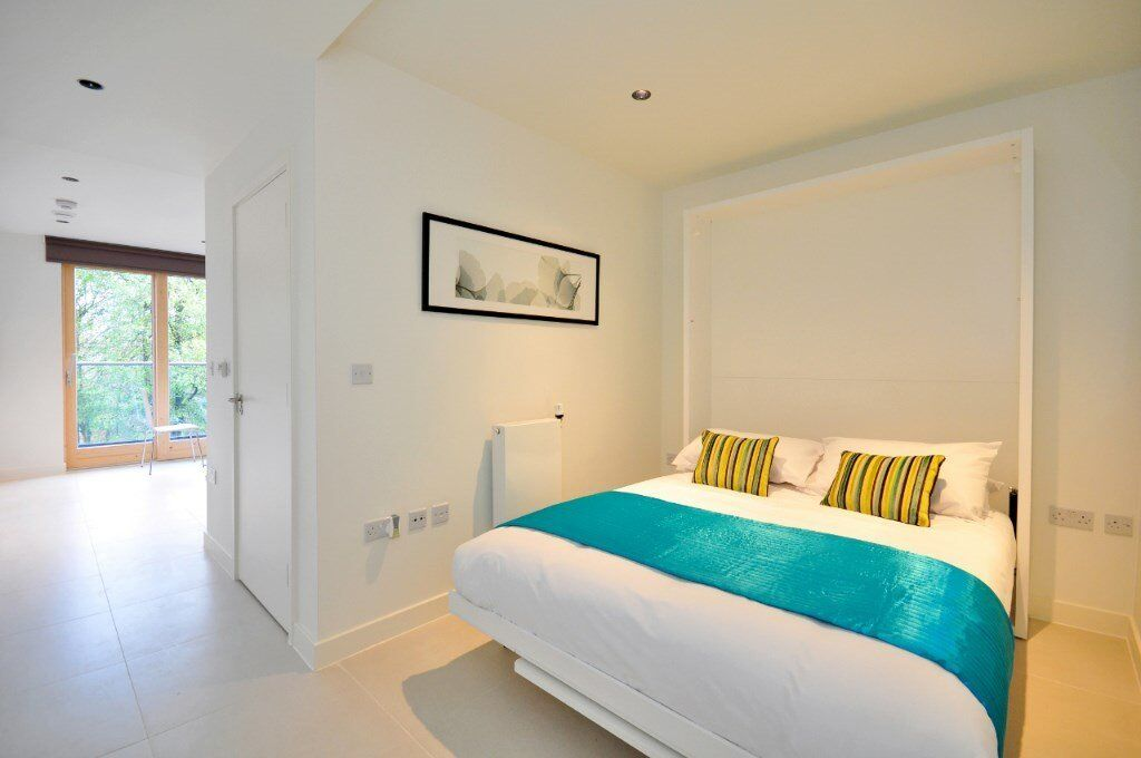STUNNING DESIGNER FURNISHED STUDIO SUITE WITH PRIVATE BALCONY IN E1W WAPPING LANE 1 BEDROOM GYM SPA