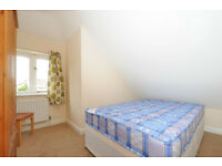 LITTLEMORE DOUBLE ROOM, two bedroom flat, 1 sharer. £490+bills. Available from 9th June.