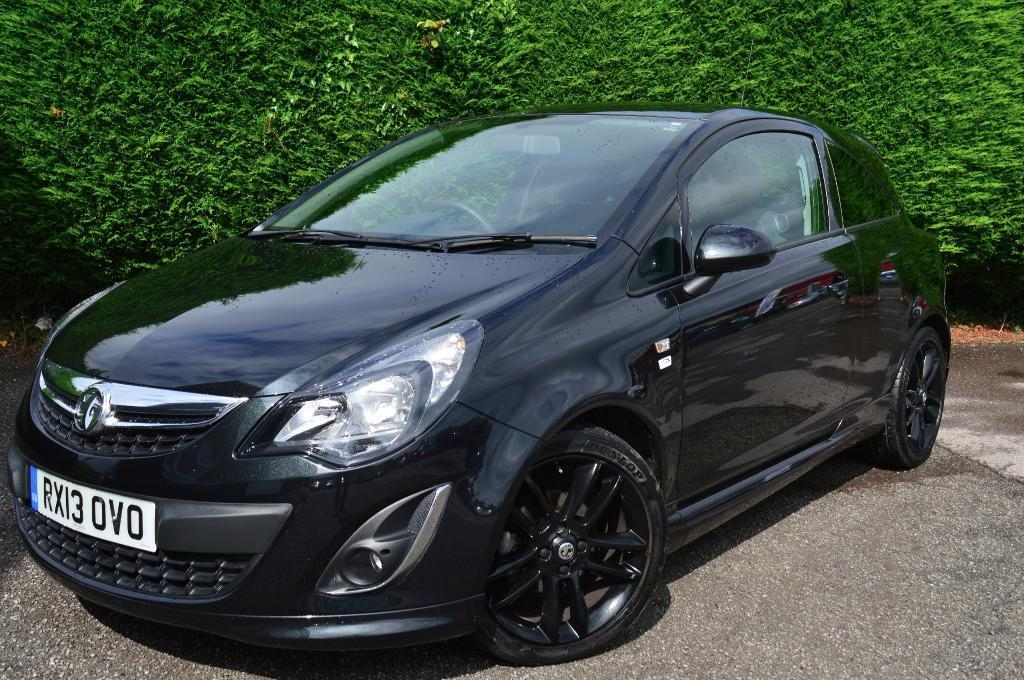 vauxhall corsa limited edition black 2013 in cwmbran torfaen gumtree. Black Bedroom Furniture Sets. Home Design Ideas