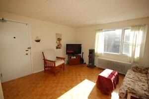 444RENT-Across from Dal- Beautiful 1 Bedroom's June