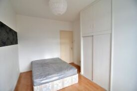 Be amazed of this fresh bedroom in Hammersmith , West London