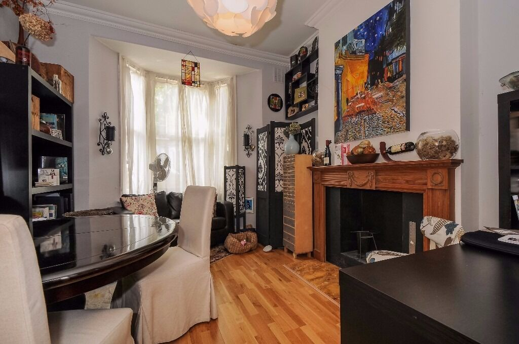 Cute 1 bed garden flat on Crossley Street N7, close to Highbury and Islington, furnished