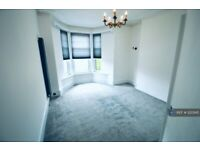 3 bedroom flat in Great Northern Road, Aberdeen, AB24 (3 bed) (#1223145)