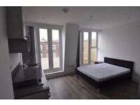 Outstanding studio apartment with huge private terrace! Kilburn Zone 2 £300 Available NOW