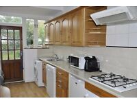 AVAILABLE GOOD SIZE FOR SHARERS 4 Bed in Raynes park SW20!!!