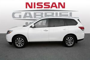 2013 Nissan Pathfinder SV 4WD / 7 PASSAGERS