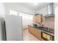 3 BEDROOM FLAT TO RENT IN EASTHAM - £1550