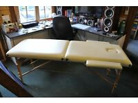 MASSAGE TABLE WITH ARM RESTS, STRETCH COVER AND CARRYING BAG