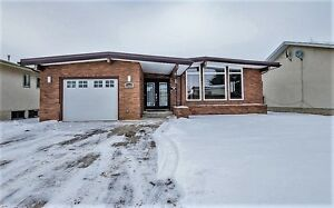 Beautiful Modern Bungalow In North Edmonton For Rent