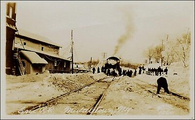 (Real Photo, Train: Erie Railroad in Snow, Middletown, NY. Circa 1910. )