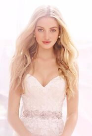 Ti Adora by Alvina Valenta wedding gown. Vintage, lace, champagne, only 1 month old. BNWT. Was £1600