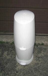 Used Diaper Genie Elite II Pail, good condition