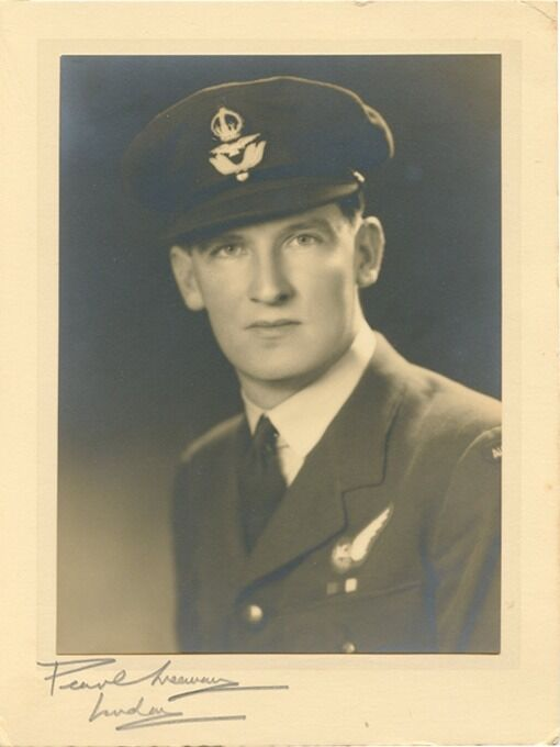 WWII RAAF Air Gunner Portrait Photo from London Studio Signed by Pearl Freeman