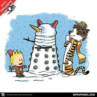 DOCTOR WHO Tardis Dalek Time Lord Smith Baker Calvin Hobbes Juniors T-Shirt -