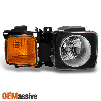 Fit 06-10 Hummer H3 | H3T Black Amber Passenger Right Side Replacement Headlight ()