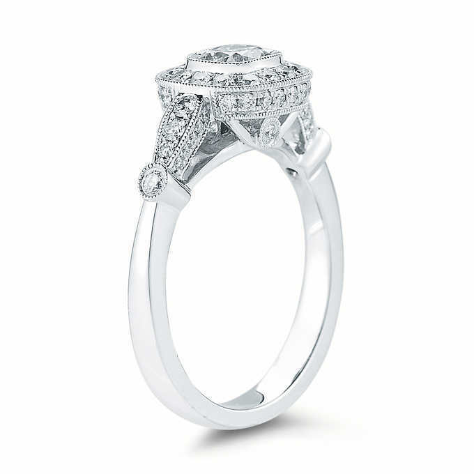GIA Certified Diamond Engagement Ring 1.54 carat Cushion Shape Platinum VVS1 2