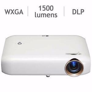 Projecteur LG DEL Minibeam PW1500 Résolution WXGA 1280x800 - LG Projector PW1500 WXGA 1280x800 Minibeam LED Projector