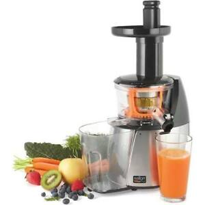 Salton VitaPro Low Speed Juicer