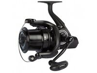 Daiwa cross cast reels (black)