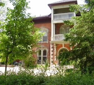 Downtown Historic Mansion: 3 Bed, 2 Bath, Parking - util incl
