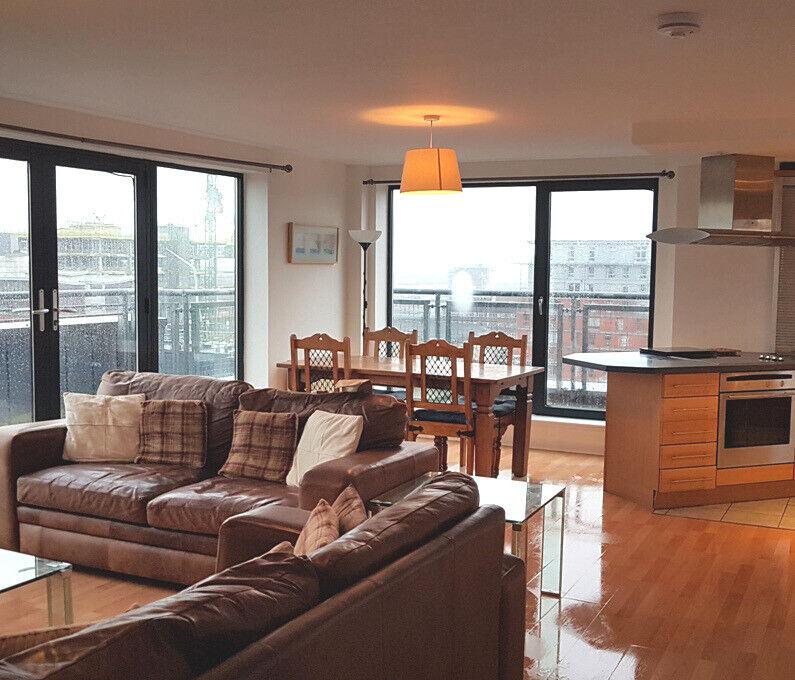 Glasgow Apartments: Two Bedroom Penthouse Executive Apartment, Glasgow , City