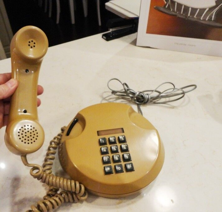 1980's Vintage Round P7202M Beige Telephone w/ Touch Tone Dial