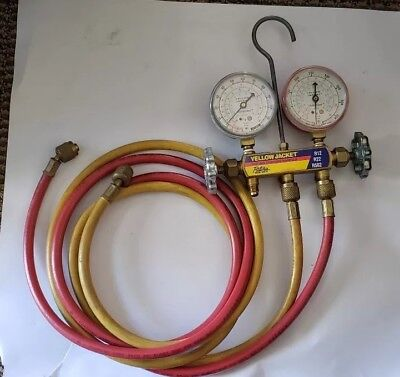 Yellow Jacket Test And Charging Manifold Gauge W 2-6 Hoses