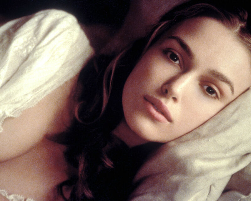 KEIRA KNIGHTLEY 8X10 COLOR PHOTO CLOSE UP CLEAVAGE