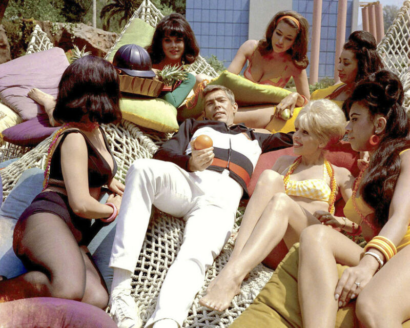 Our Man Flint James Coburn surrounded by beautiful women iconic 8x10 Photo