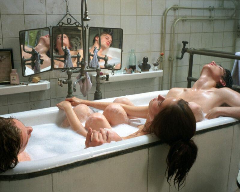 The Dreamers Michael Pitt Louis Garrel Eva Green In Bath Tub 8x10 Photo