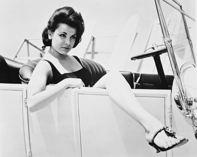Annette Funicello Sexy Pose In Open Car With Leg Over Door 8x10 Photo(20x25cm)
