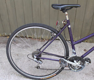 "Schwinn Crossfit Hybrid Road Bike 700x35c 19"" 18 Speed Stratford Kitchener Area image 4"