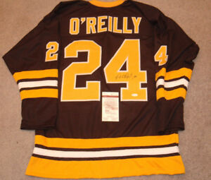 Terry O'reilly SIGNED Boston Bruins Jersey.
