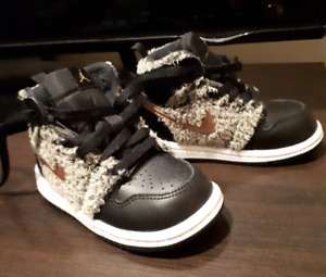 Toddler size 6 shoes - Nike Jordan's