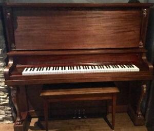 Piano droit antique à vendre