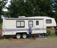 Fleetwood 5th Wheel Trailer for sale
