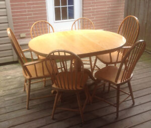 Solid oak Mennonite made 6 chair dining room set