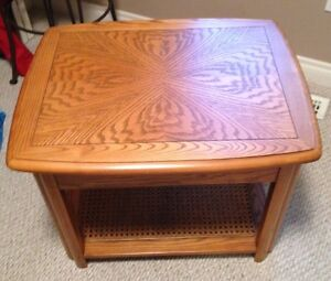 Sklar Peppler Oak End Table -GORGEOUS - Mint Condition-Real Wood Edmonton Edmonton Area image 2