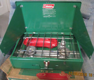 Gas Coleman Stove.