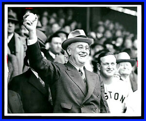 FRANKLIN-D-ROOSEVELT-Throws-Out-First-Pitch-VINTAGE-FDR-w-Joe-Cronin-WIRE-PHOTO