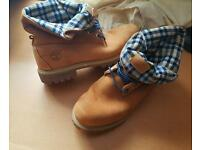 Mens rare Timberland boots roll ups 10.5