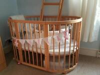 Oval cot