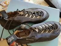 Climbing shoes never used - boreal spider UK size 7