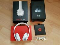 Beats solo 2 wired headp5