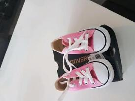 Girls pink converse shoes size 6