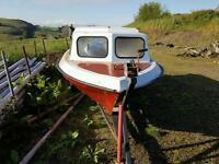 Pleasure /fishing boat