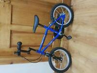 Blue Boys bike for 4-6years old